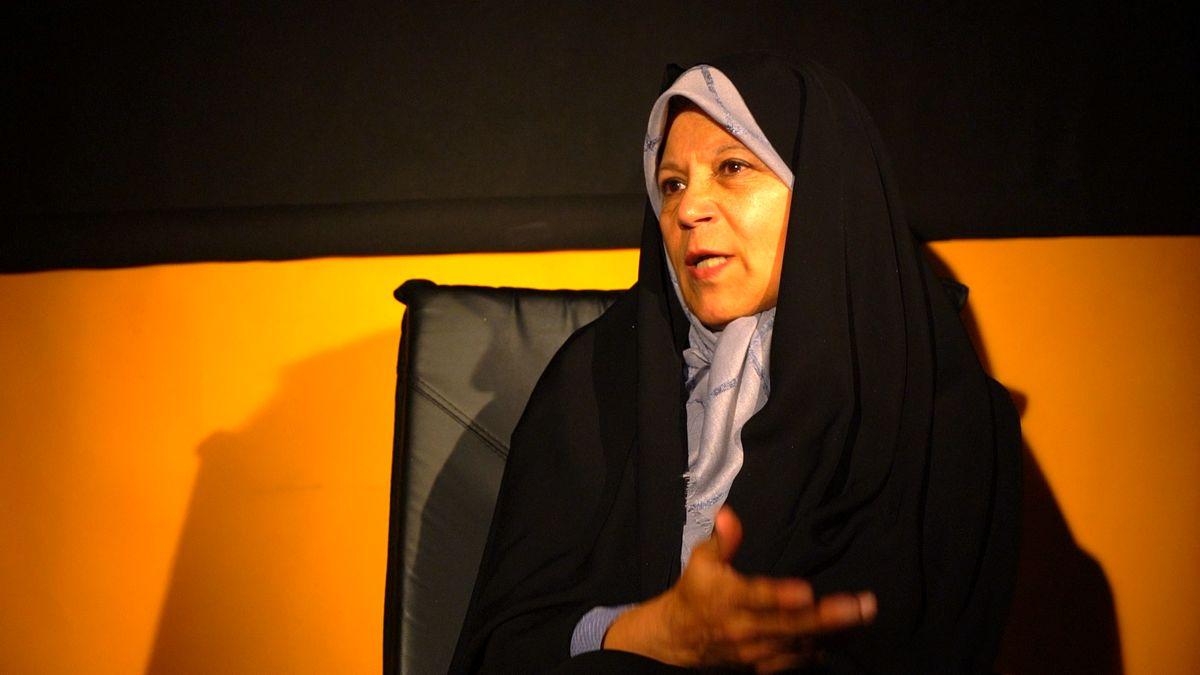 «فائزه هاشمی»: اگر میخ هم جای مدیران فعلی بگذارند مملکت میچرخد